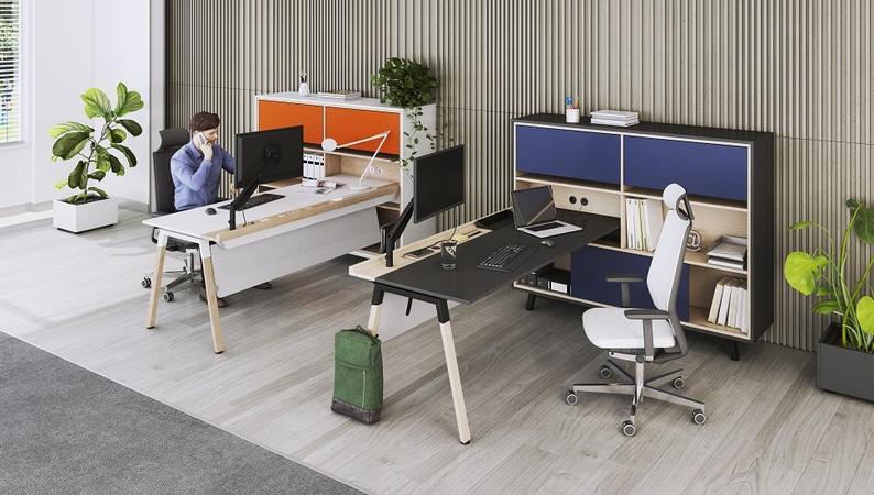 OKA HomeLine Schreibtisch eingetaucht